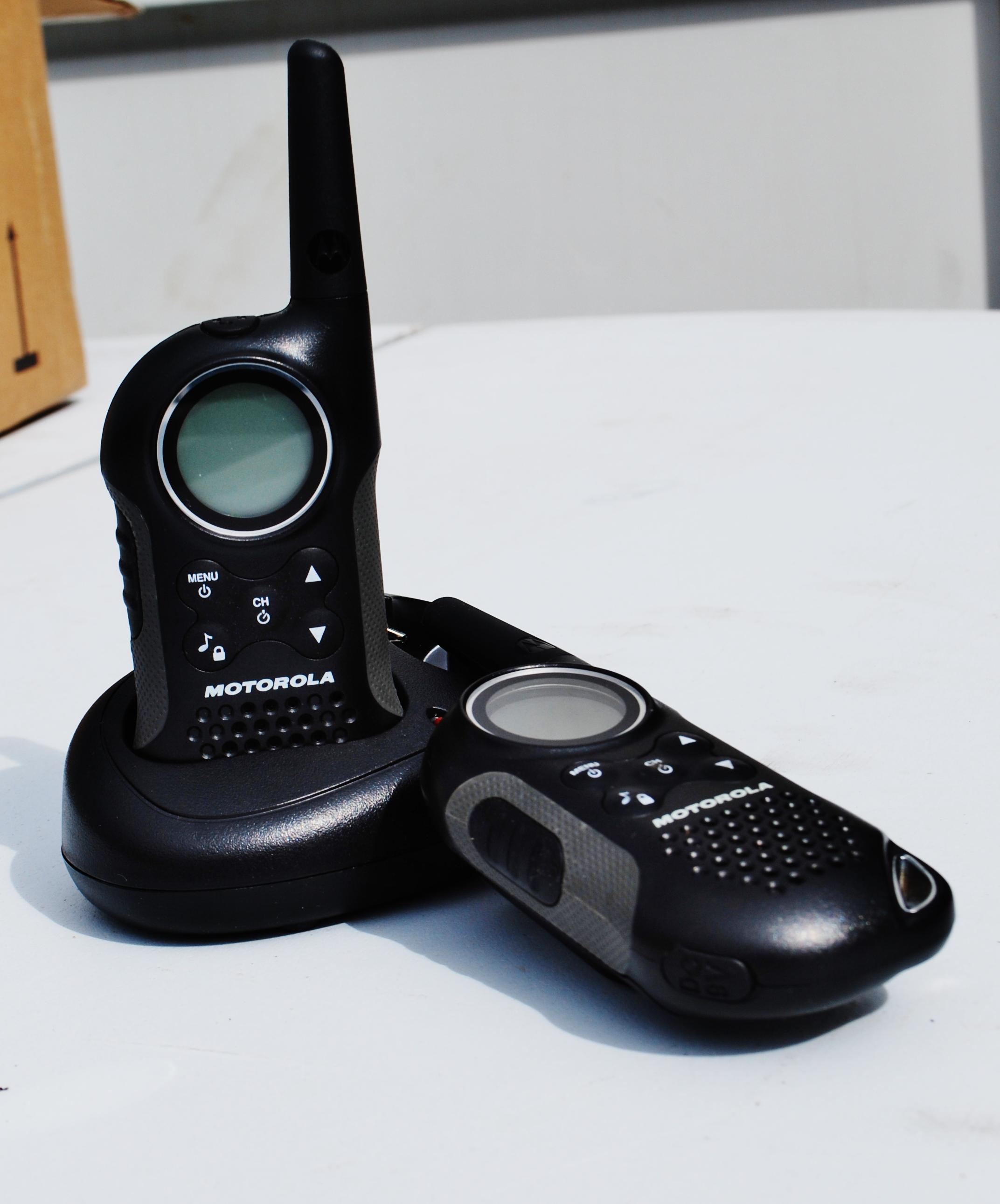 equip_walkie_talkies_2